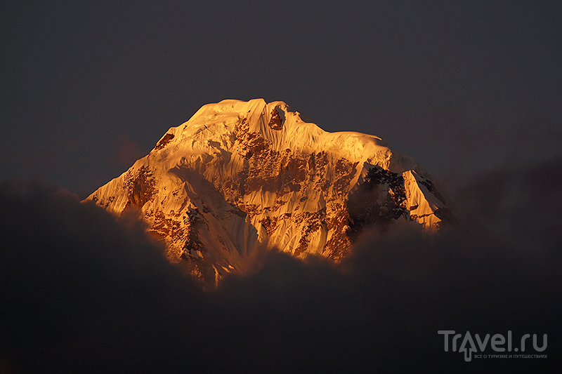 Закат в горах / Фото из Непала