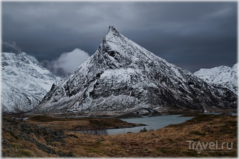 Гора Volandstinden на Лофотенских островах, Норвегия / Фото из Норвегии