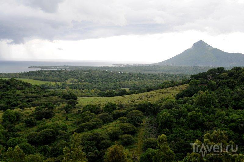 Маврикий. К водопаду Chamarel и цветным землям / Маврикий