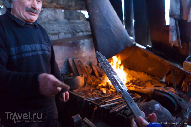 Грузия. Сванетия. Кузнец Роберт Кальдани из Цхумари / Грузия