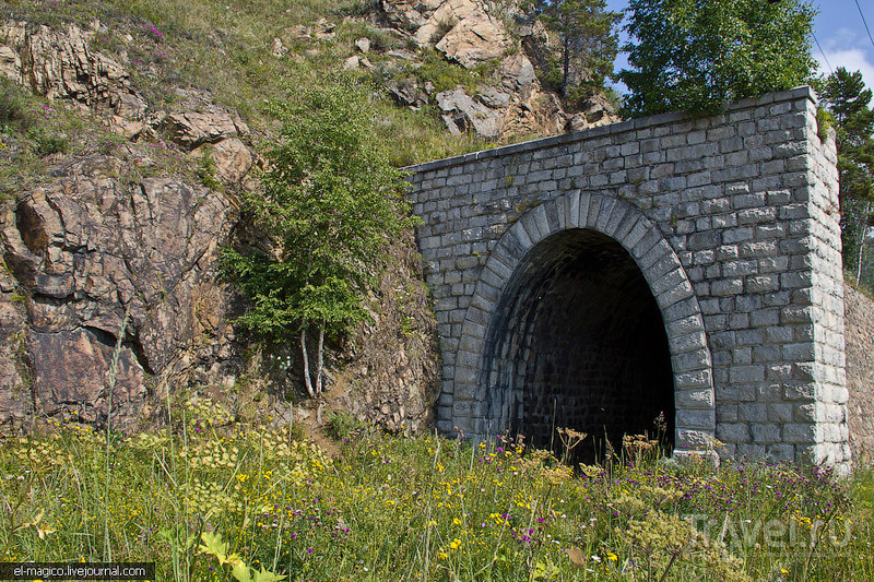 Один из тунелей КБЖД, Байкал / Фото из России