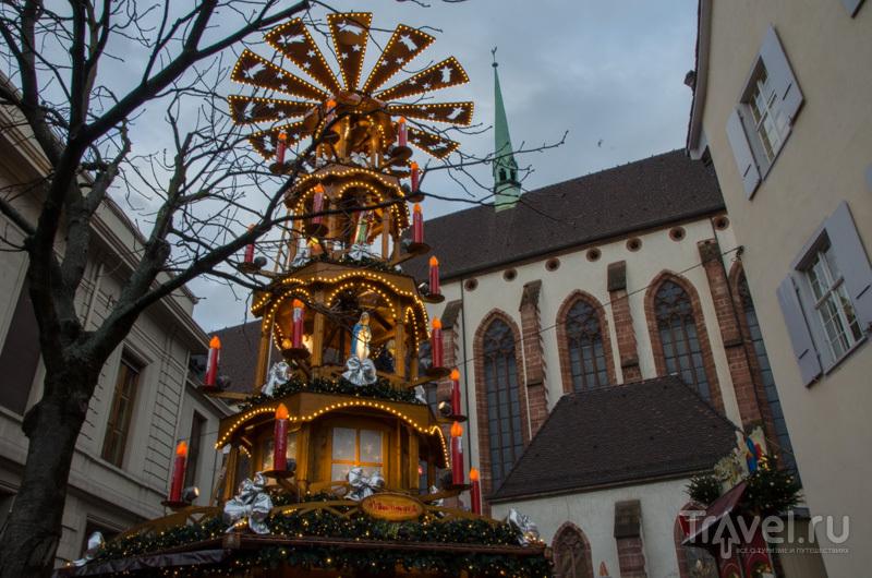 В центре рождественской ярмарки