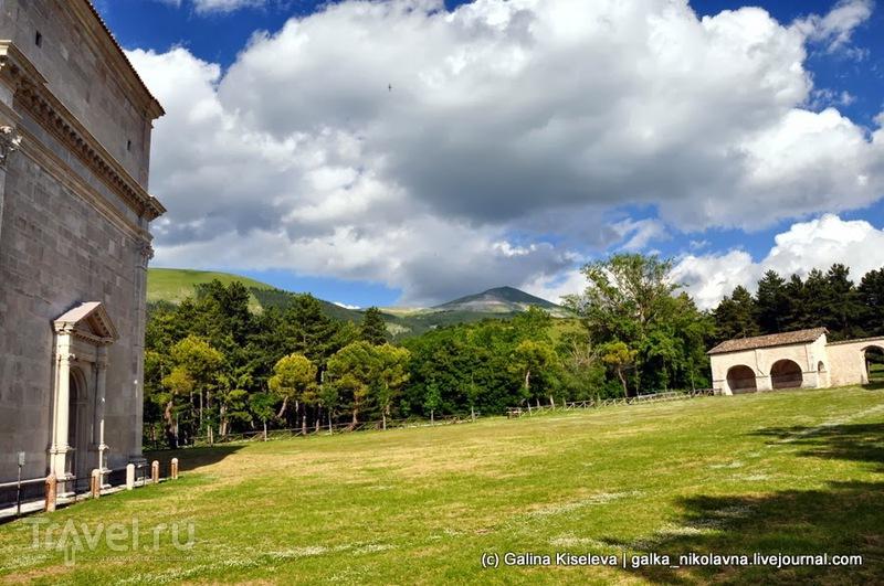 Аквасанта Терме и кусочек гор Сибиллини / Италия