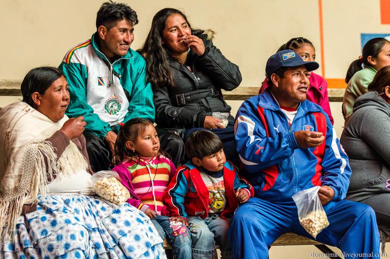 """""""Чолита-реслинг"""" - экзотика по-боливийски / Фото из Боливии"""