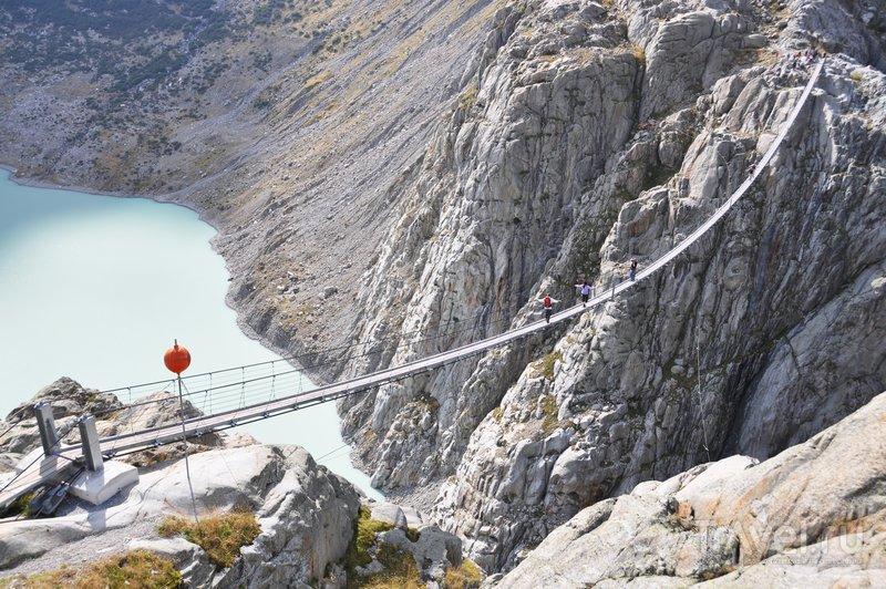 Мост открылся в 2009 году, после того как его модернизировали и сделали более безопасным / Швейцария