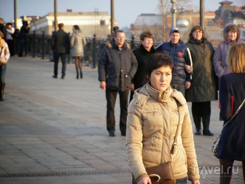 Москва. Храм Христа-Спасителя и Патриарший мост / Россия