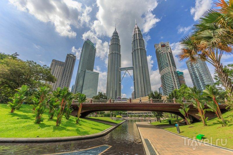 Башни-близнецы Петронас являются одним из самых узнаваемых символов Куала-Лумпур