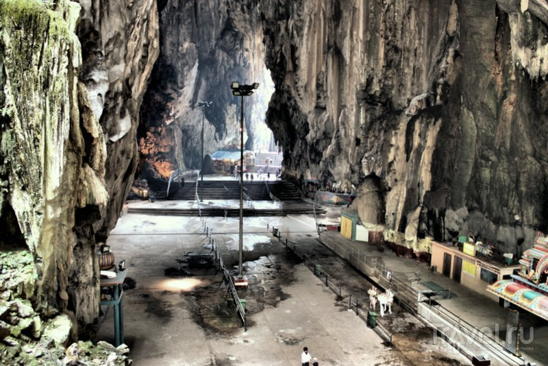 Внутри главной пещеры Бату