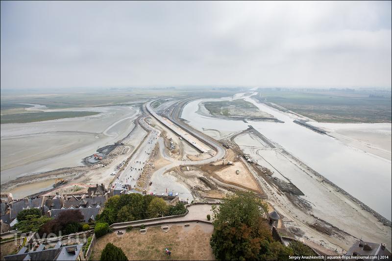 Остров-крепость среди зыбучих песков Нормандии. Мон-Сен-Мишель, Франция / Фото из Франции