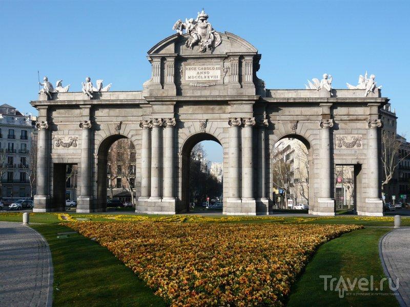 Ворота Алькала были построены в XVIII веке