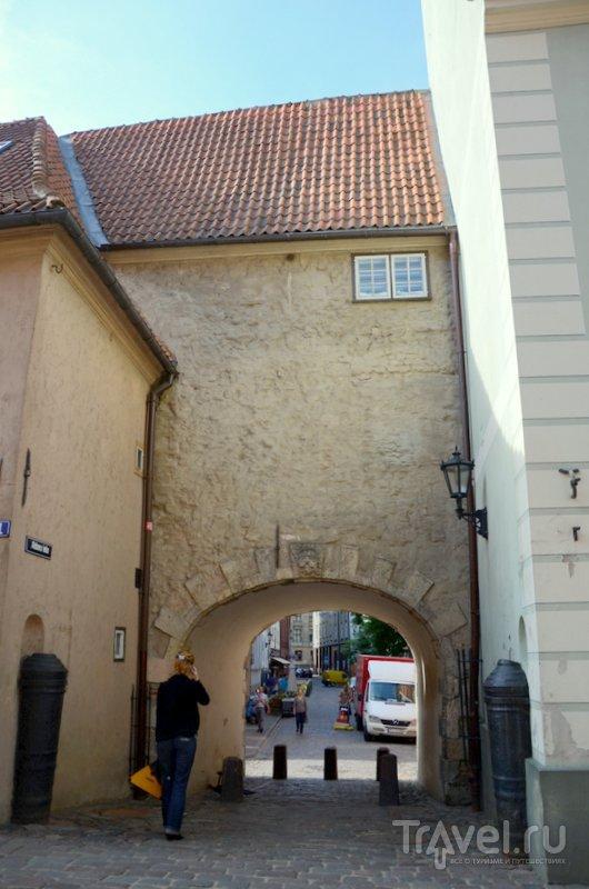 Вид на Шведские ворота Риги с другой стороны