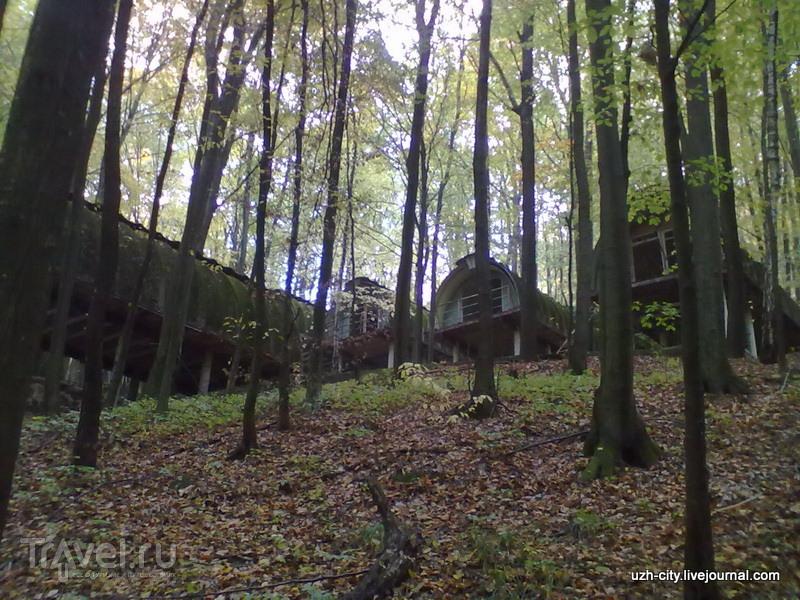 Лагерь-призрак у руин Невицкого замка / Украина