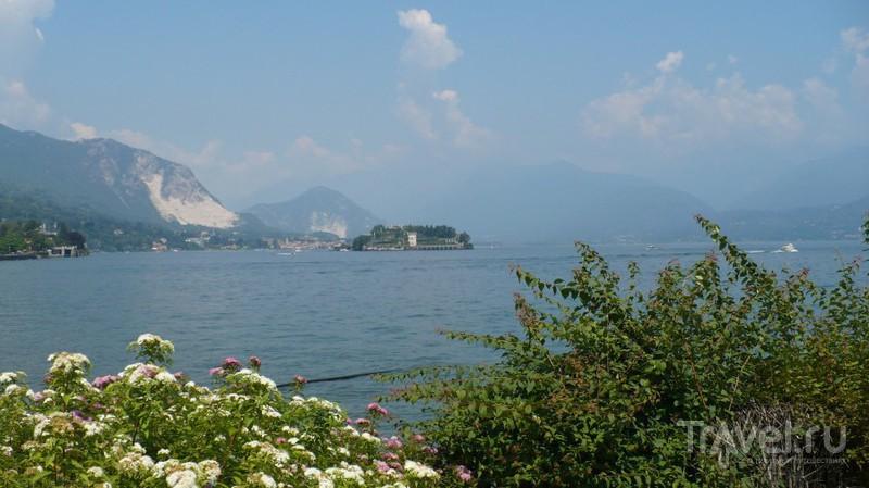 Дольче вита на берегу озера / Италия