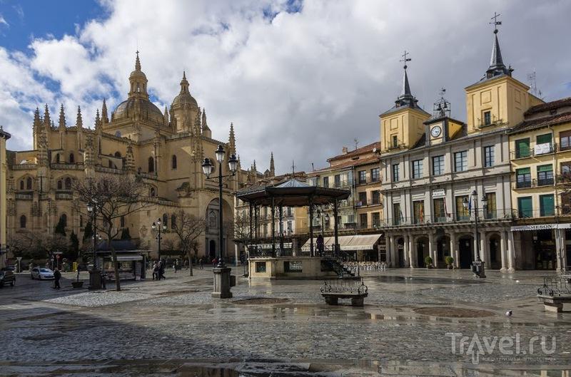 Главная площадь Пласа Майор. Сеговия, Испания / Фото из Испании