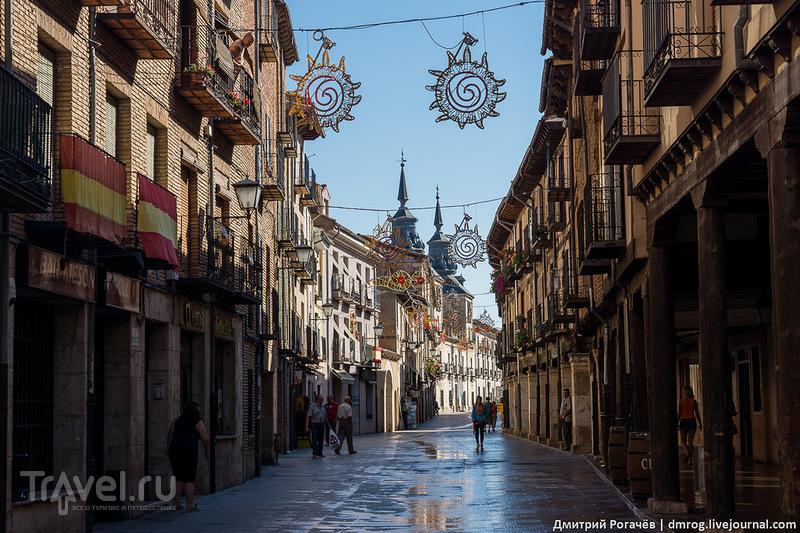 Улочка в Бурго де Осма, Испания / Фото из Испании