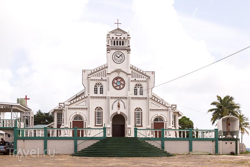 St Joseph's Cathedral в городе Неиафу, Тонга / Фото с Тонга
