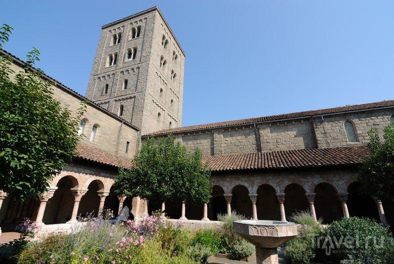 Среди небоскребов можно найти средневековый европейский монастырь - музей Клойтерс