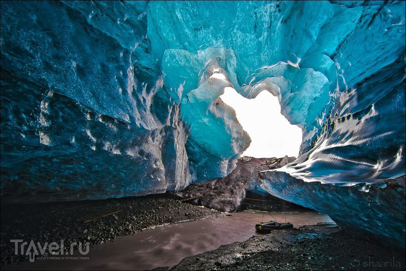 Ледовая пещера в Исландии / Фото из Исландии