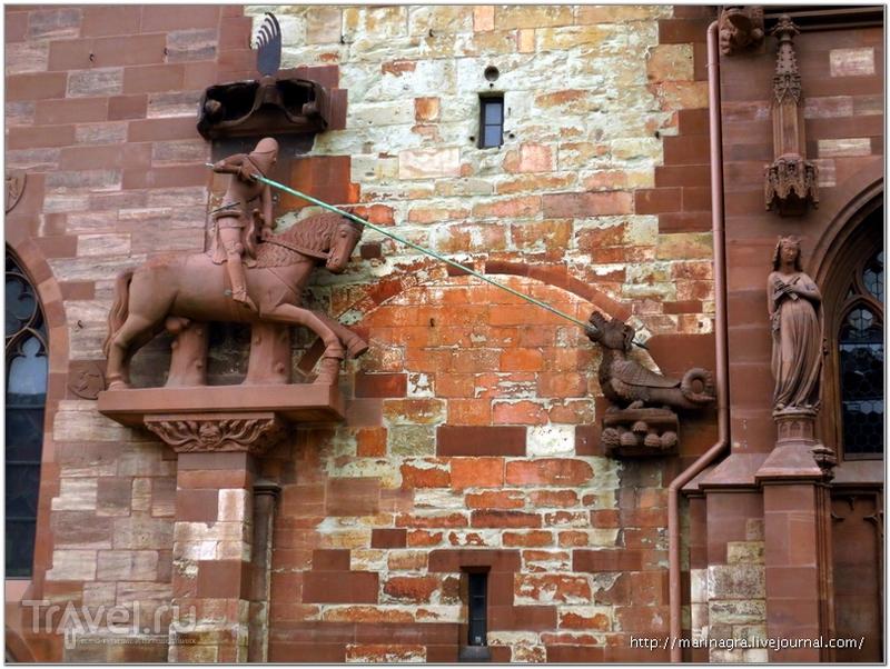 Фрагменты западного фасада собора / Фото из Швейцарии