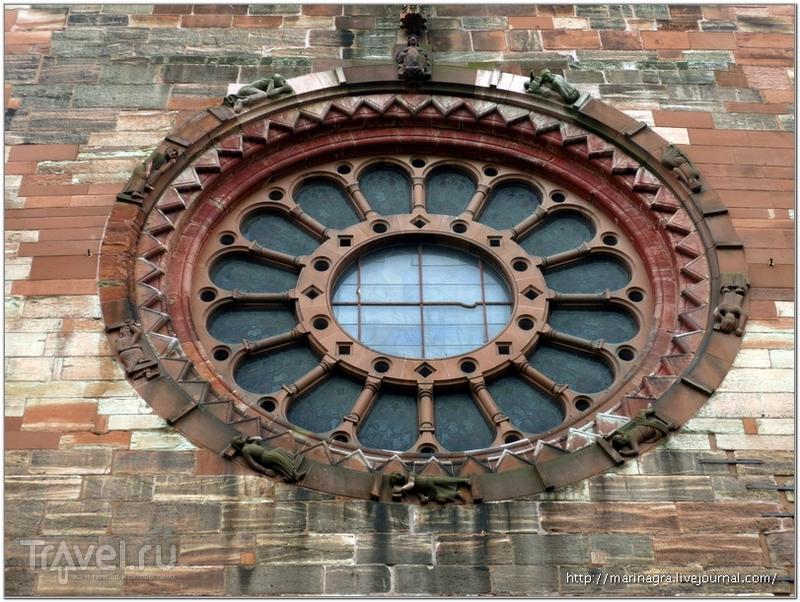 """Композиция """"Колесо фортуны"""" на северном фасаде собора / Фото из Швейцарии"""