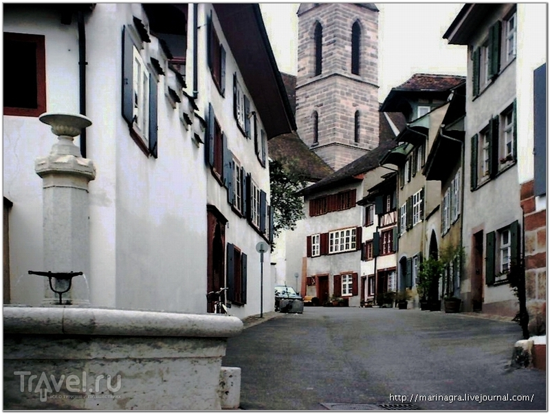 Характерная улочка на холме Шпаленберг / Фото из Швейцарии