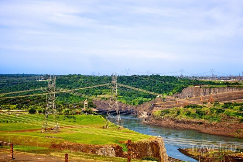 Itaipu, Бразилия - Парагвай - самая мощная гидроэлектростанция в мире / Бразилия