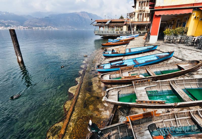 Добраться до острова можно на небольшом пароме или лодочном такси / Италия