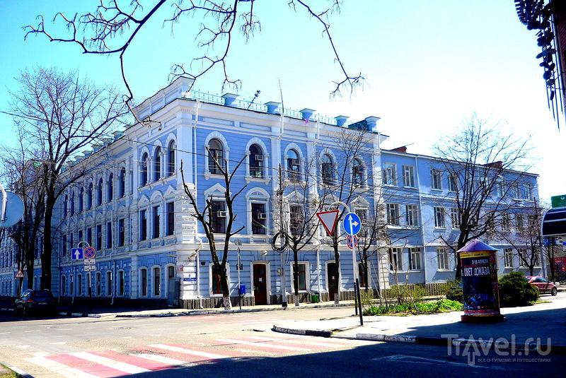 Три памятника архитектуры на Комсомольском пятачке. Краснодар / Россия