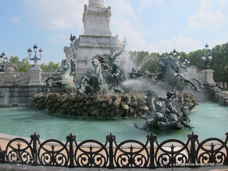 Памятник Жирондистам (Monument aux Girondins)  / Фото из Франции