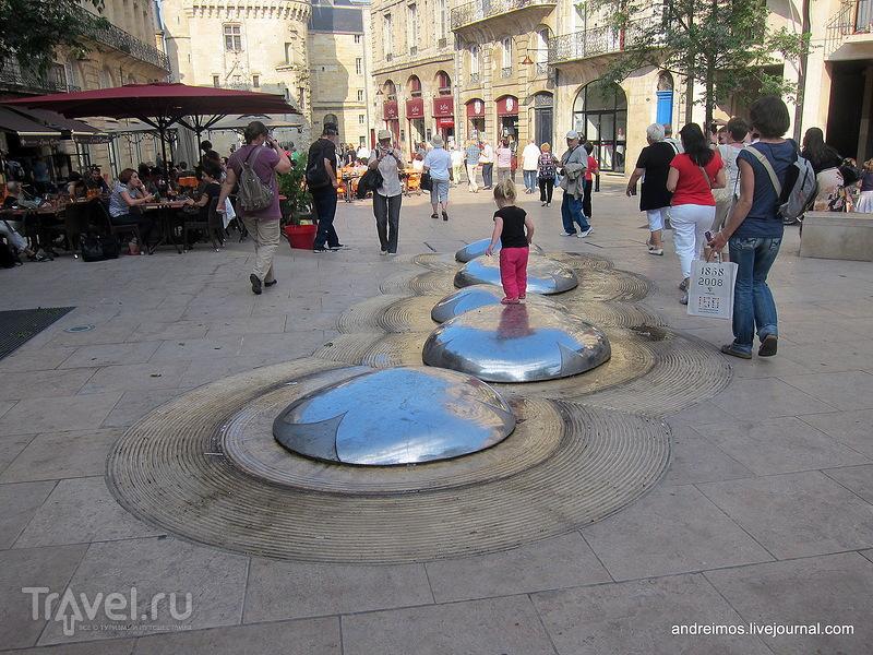 Площадь Пале (Place du Palais) / Фото из Франции