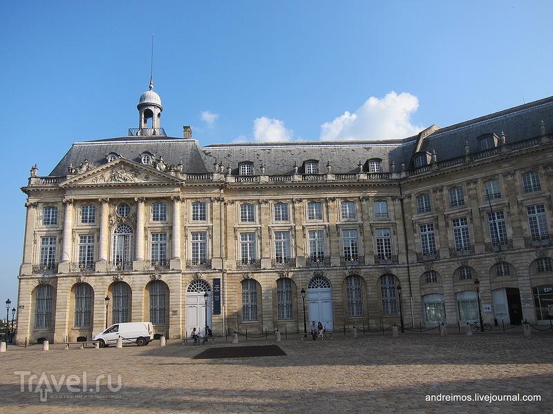 Площадь Биржи (Place de la Bourse) / Фото из Франции