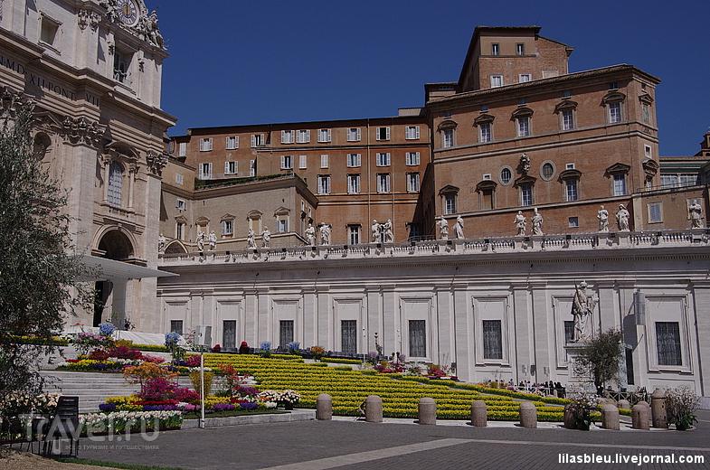 Ватикан украшен к Пасхе / Ватикан