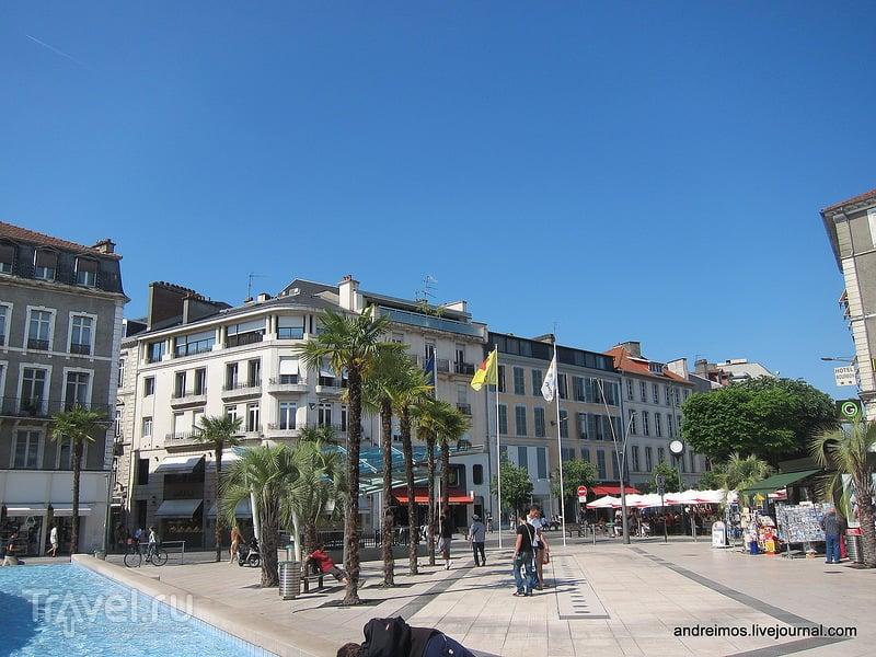 Площадь Клемансо (Place Clemenceau) / Фото из Франции