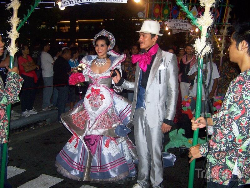Маленькая ночная фиеста в Маниле / Филиппины