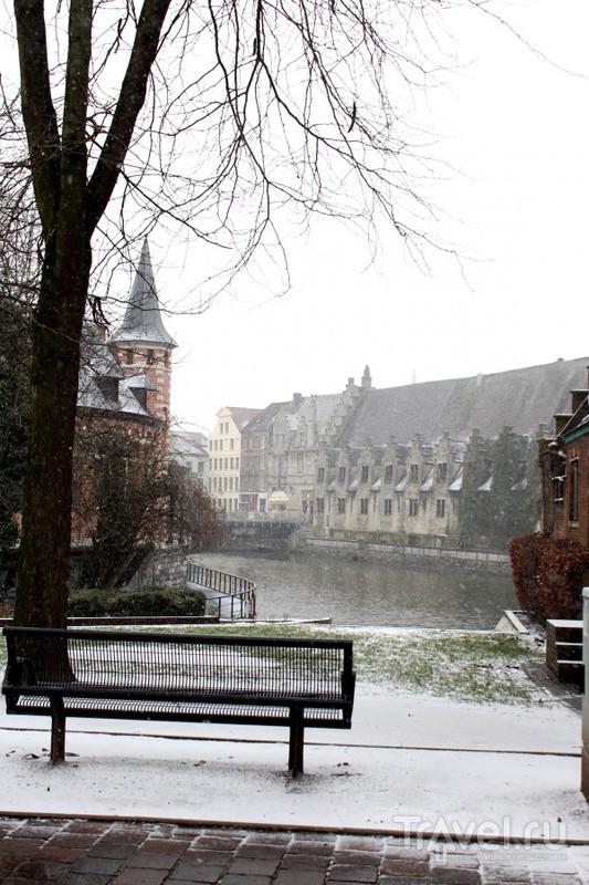 Март. Снег. Гент / Бельгия