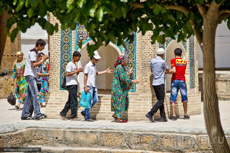 Среднеазиатская Мекка, некрополь потомка пророка и русско-азиатская архитектура / Фото из Узбекистана