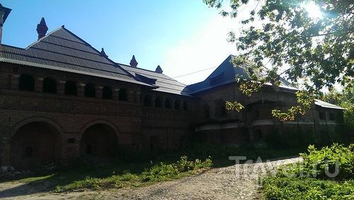 По Москве - от Цветного бульвара до Крутицкого подворья / Россия