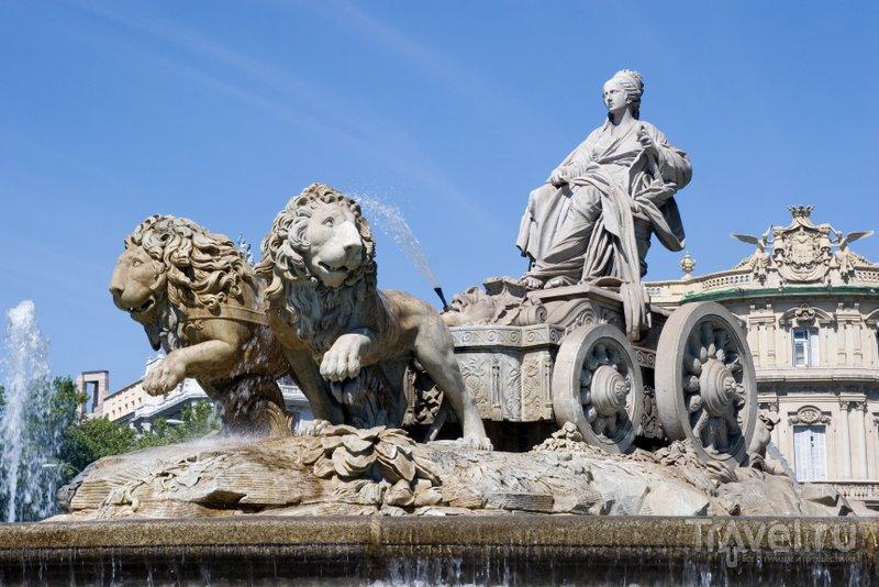 Кибелу везут неблагодарные влюбленные, обращенные во львов