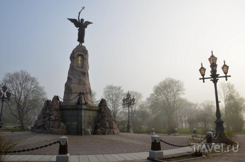 """Памятник экипажу броненосца """"Русалка"""""""