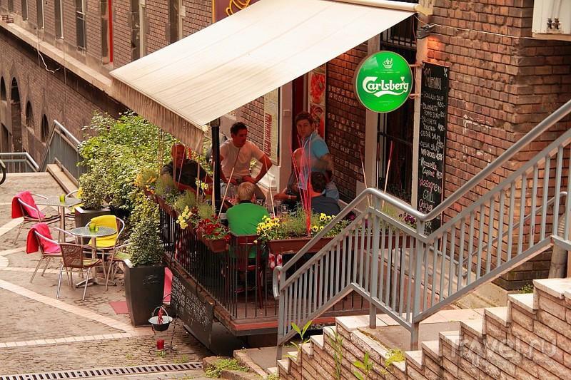Уличное кафе / Фото из Венгрии