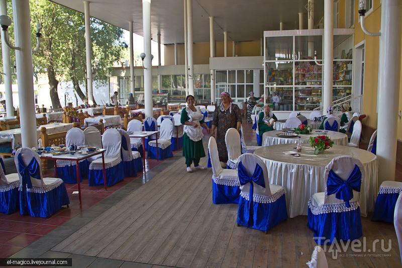 Перевал Камчик, керамическая мастерская в Риштане, Коканд и вечерняя Фергана / Фото из Узбекистана