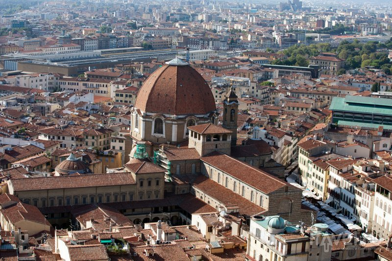 catholic single men in florence Italian men are known for their love of their mothers, so, while an average modern westerner sometimes hardly even talks to his family, it can be sweet and touching to see someone so devoted to his mother.