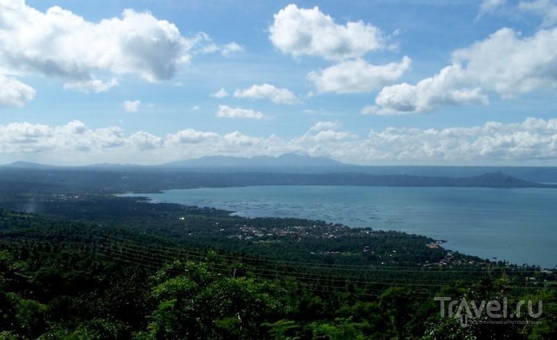 Филиппины. Самый маленький действующий вулкан в мире / Филиппины