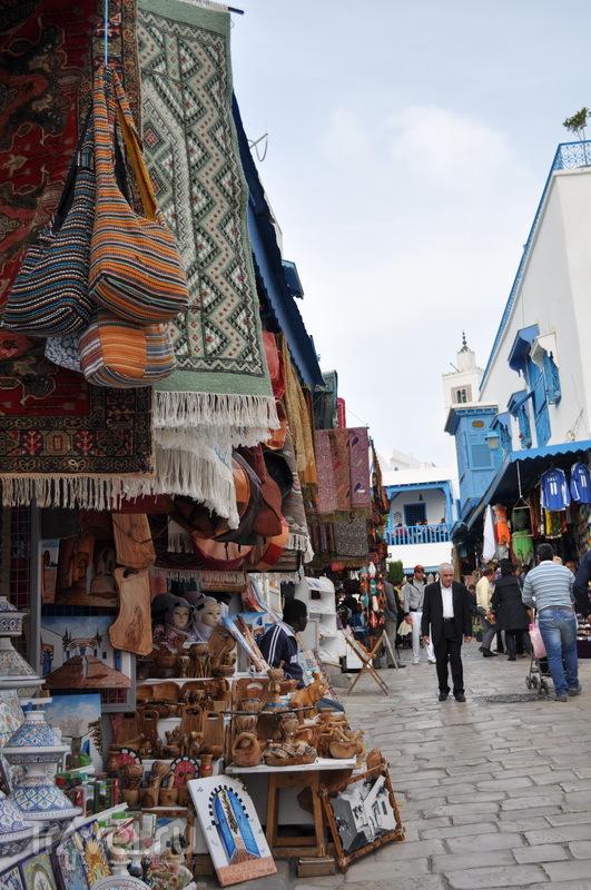 Улочка в Сиди-Бу-Саиде / Фото из Туниса