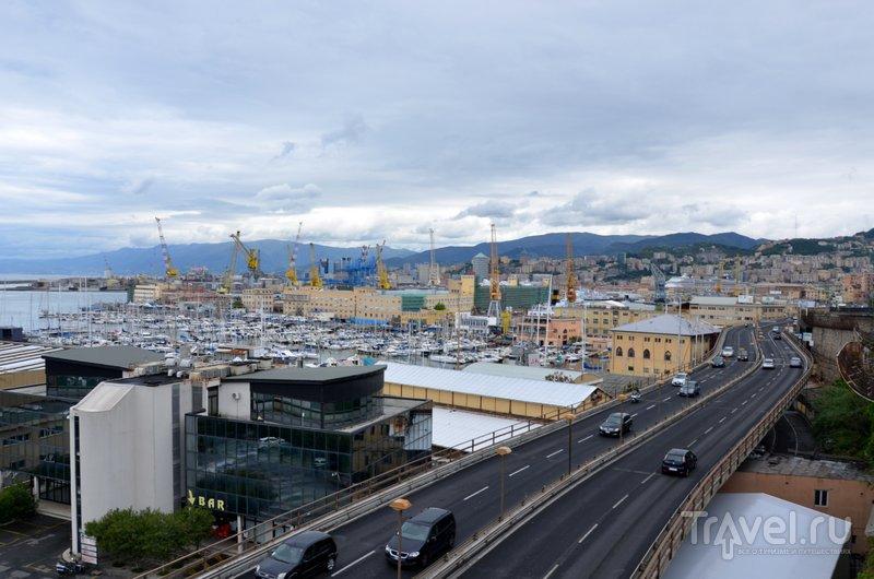Вид с набережной на порт. / Фото из Италии