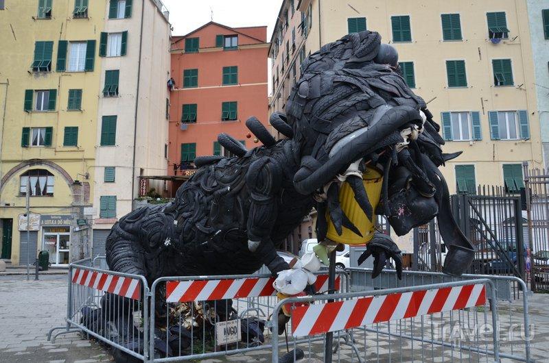 Монстров из покрышек... / Фото из Италии