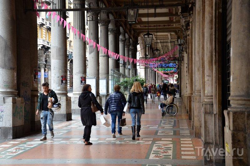 Знаменитая торговая улица XX Settembre. / Фото из Италии