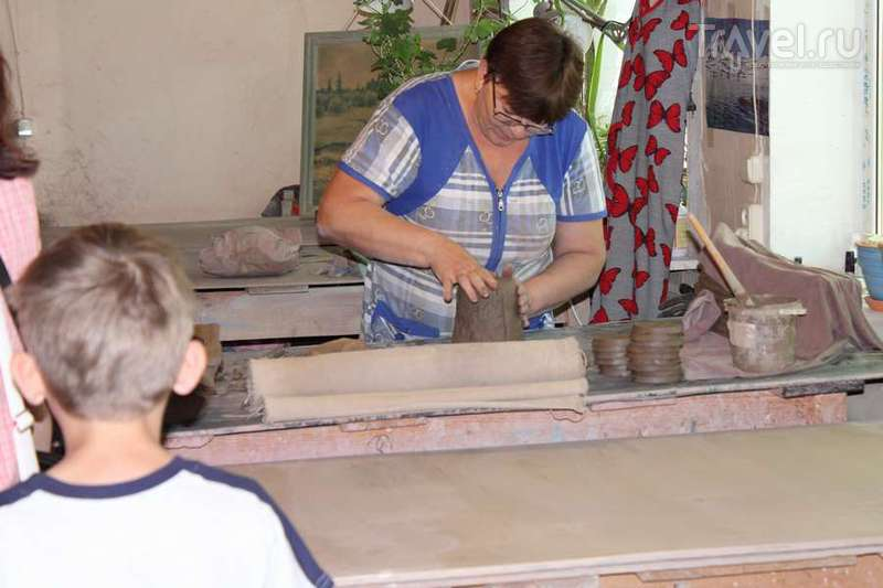 Село Золотое Саратовской области. Экскурсия на заводик по производству керамики / Россия