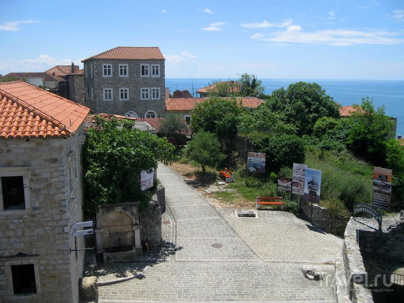 Город Ульцинь - и не Албания, и уже не Черногория / Фото из Черногории