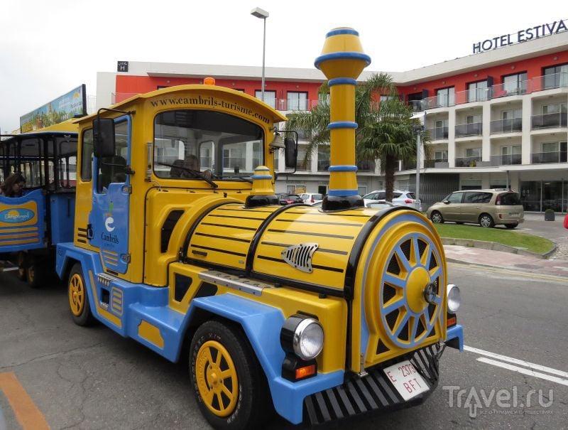 Туристический поезд в Камбрильсе